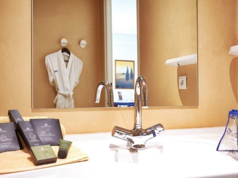 Maison de retraite en gironde ehpad la pastorale - Salle de bain maison de retraite ...