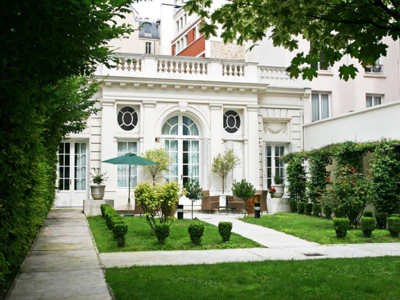 Maison retraite paris good ehpad jardin des plantes for Auxiliaire de vie en maison de retraite