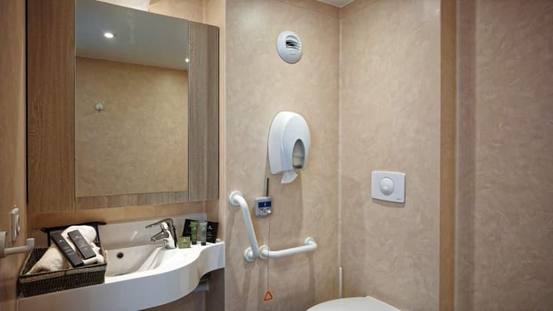 Maison de retraite rive ardente chasseneuil 36 orpea - Salle de bain maison de retraite ...