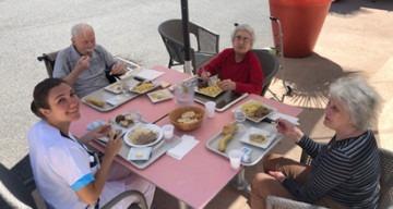 Orpea Villa Paul Thomas repas exterieur