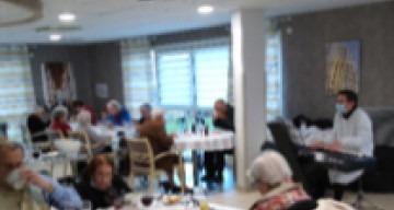 Orpea La Cheneraie dîner spectacle