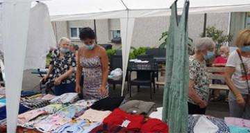 Orpea Les Pivoines vente vêtements