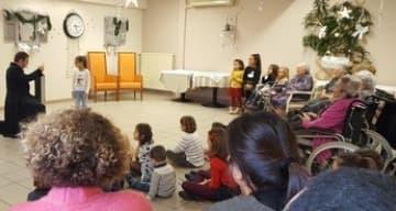 Noel des enfants du personnel à la maison de retraite ORPEA La Talaudiere